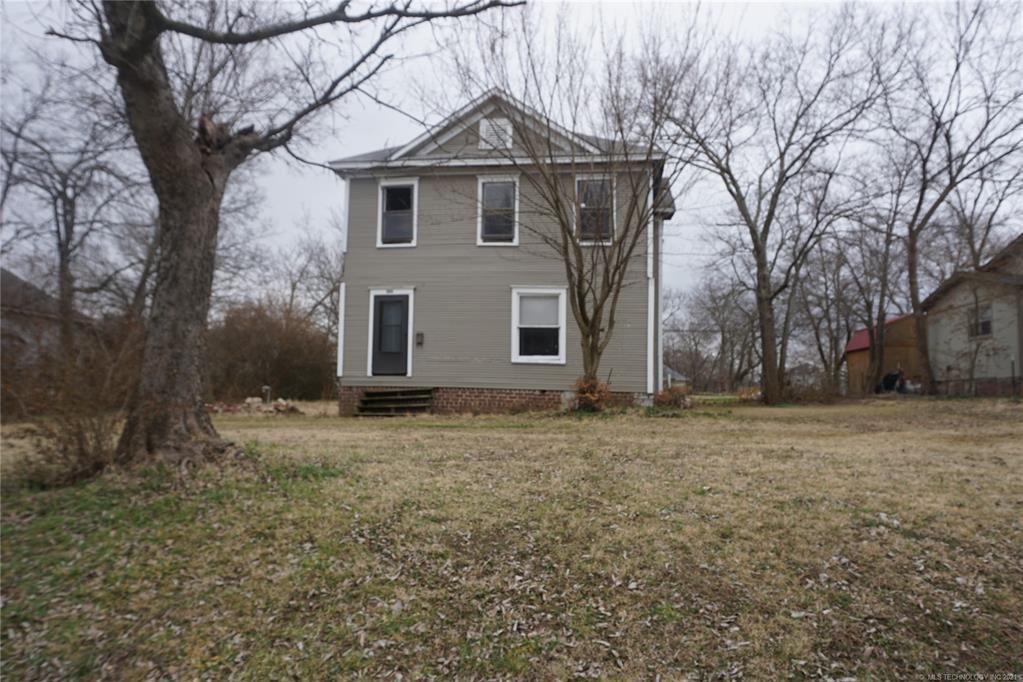 203 W Merrick St, Henryetta, OK 74437