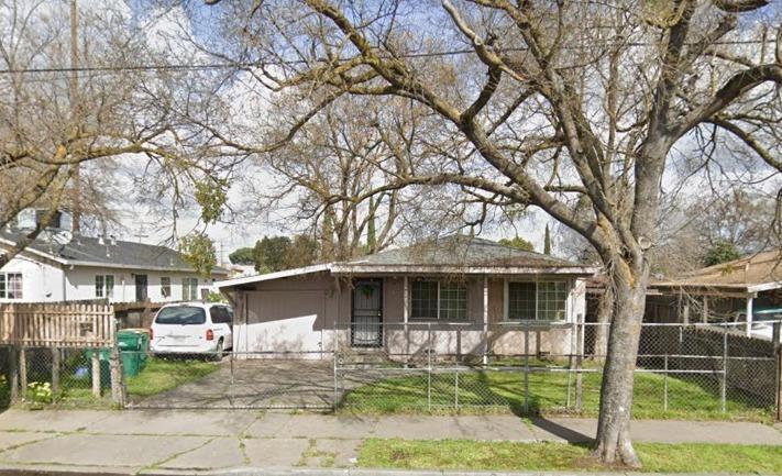 1213 E Anderson St, Stockton, CA 95205