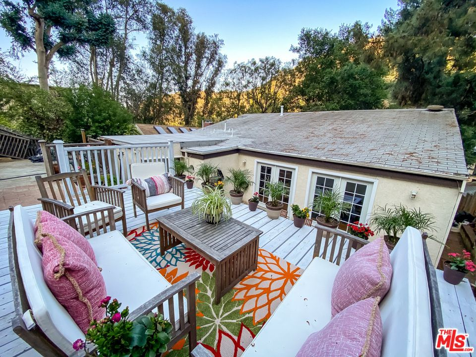 8665 Lookout Mountain Ave, Los Angeles, CA 90046