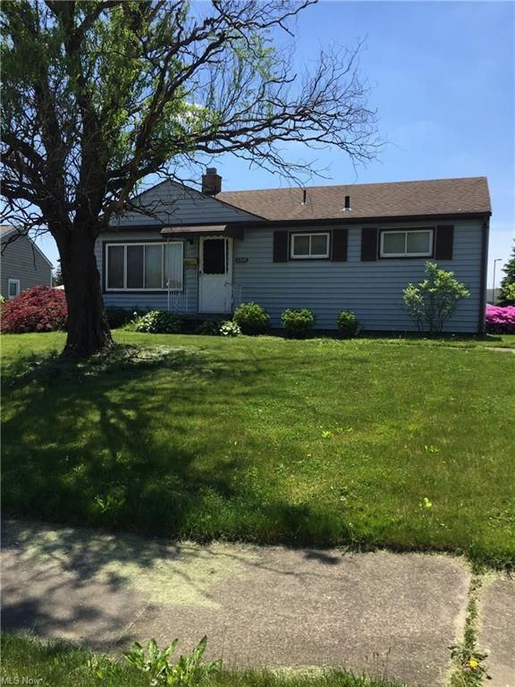 2303 Chaney Cir, Youngstown, OH 44509