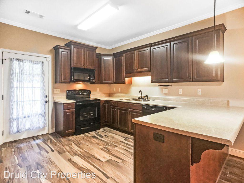 6731 Covington Villas Ln, Tuscaloosa, AL 35405