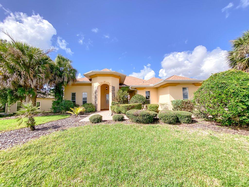 38727 Oak Place Ct, Lady Lake, FL 32159