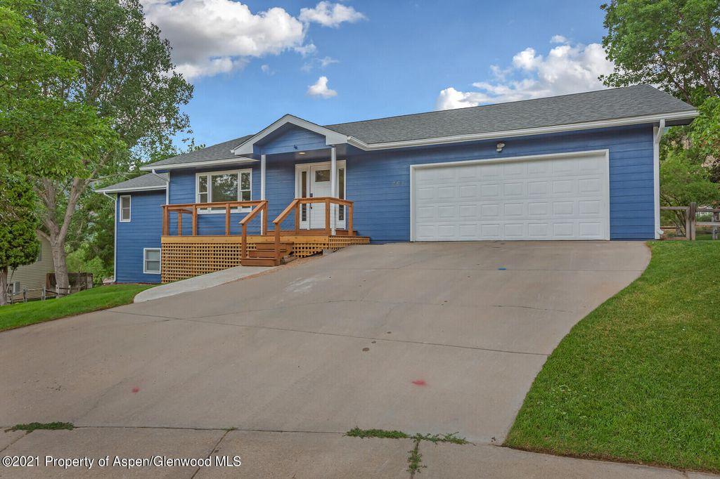 851 Stoneridge Ct, Glenwood Springs, CO 81601
