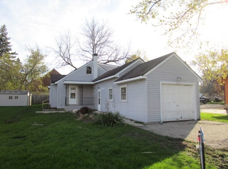 3016 Mary Ln, Mchenry, IL 60051
