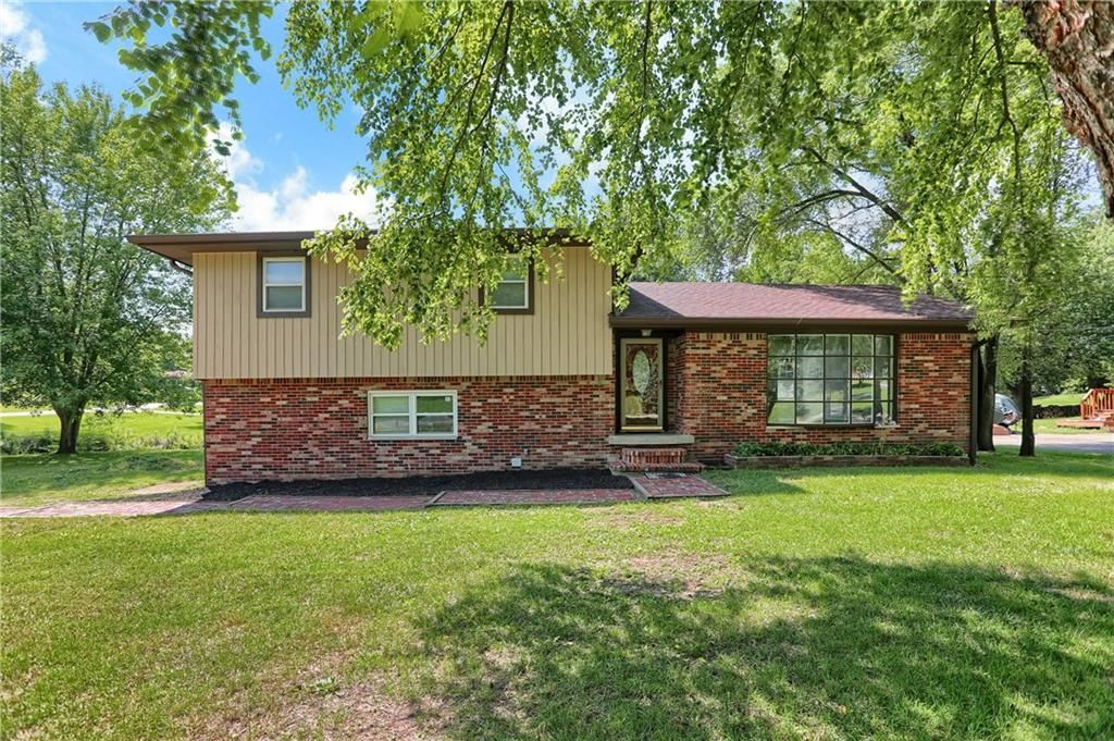 3958 Rainbow View Dr, Indianapolis, IN 46221