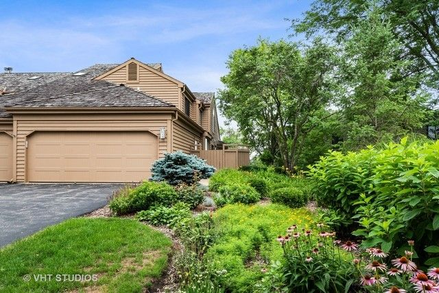 2356 Oak Hill Rd, Lake Barrington, IL 60010