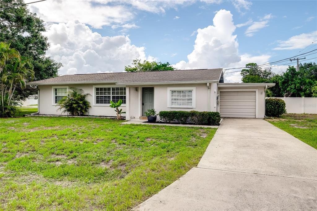 109 Pine Grove Dr, Venice, FL 34285
