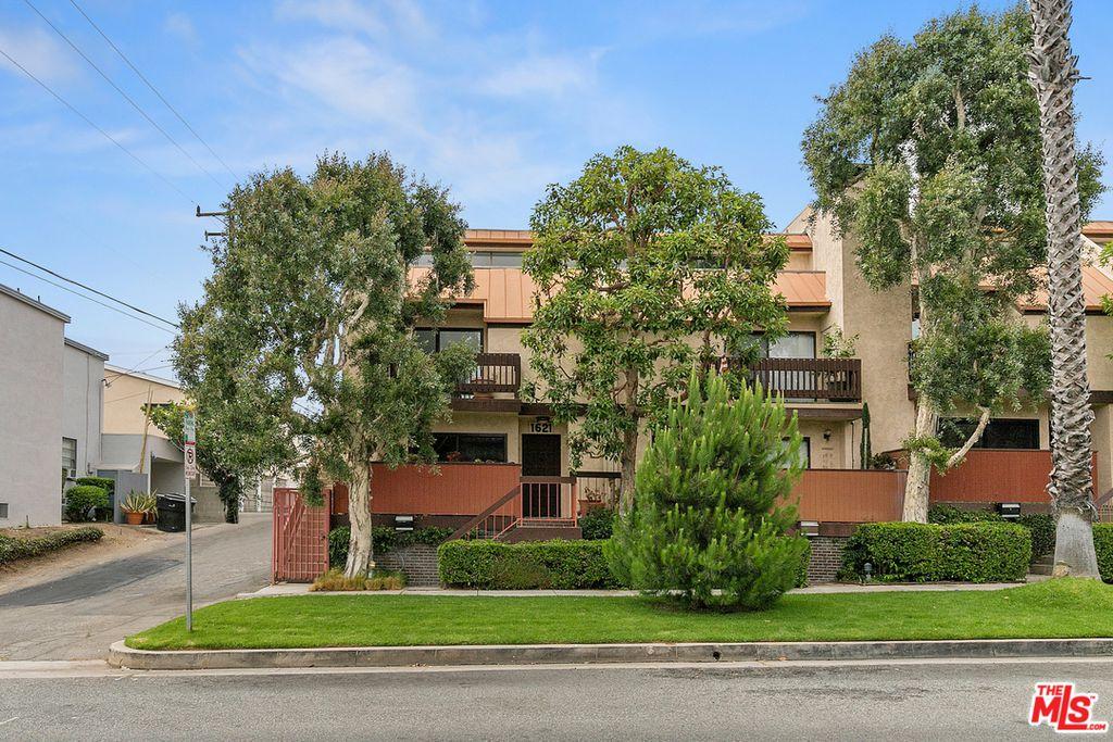 1621 Idaho Ave, Santa Monica, CA 90403