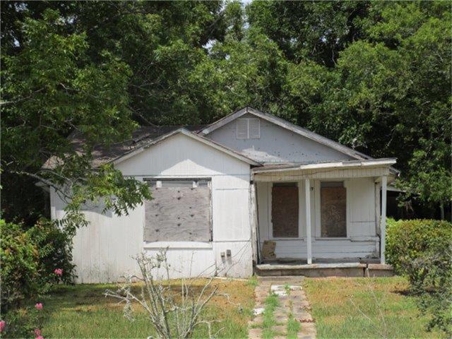 917 Whitson St, Bay City, TX 77414