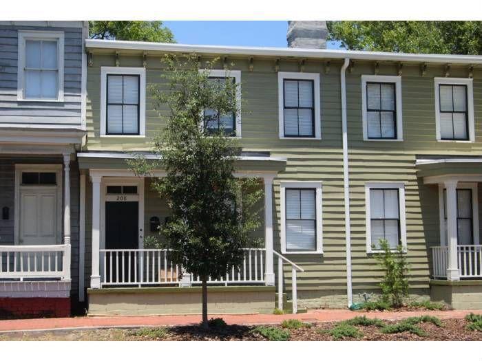 208B W Henry St, Savannah, GA 31401