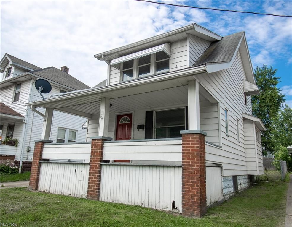 30 W Heights Ave, Youngstown, OH 44509
