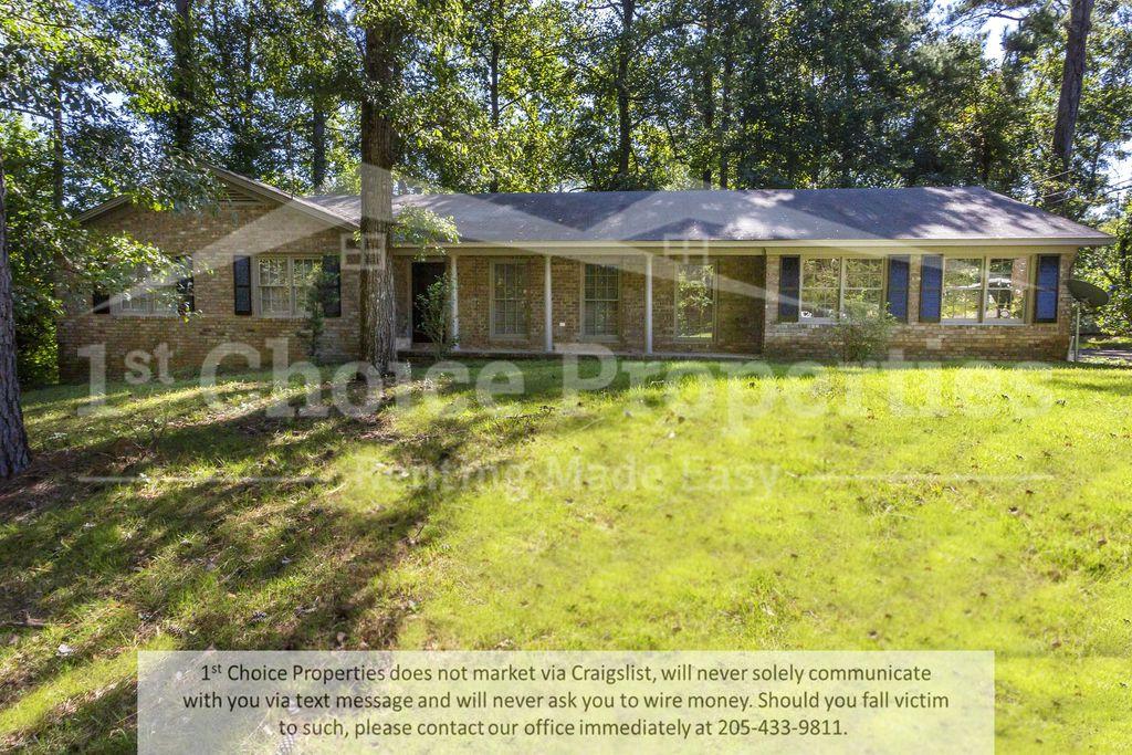4725 Woodvale Dr, Tuscaloosa, AL 35405