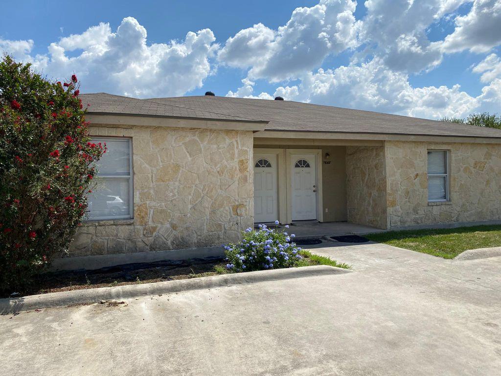 7644 Oak Chase, San Antonio, TX 78239