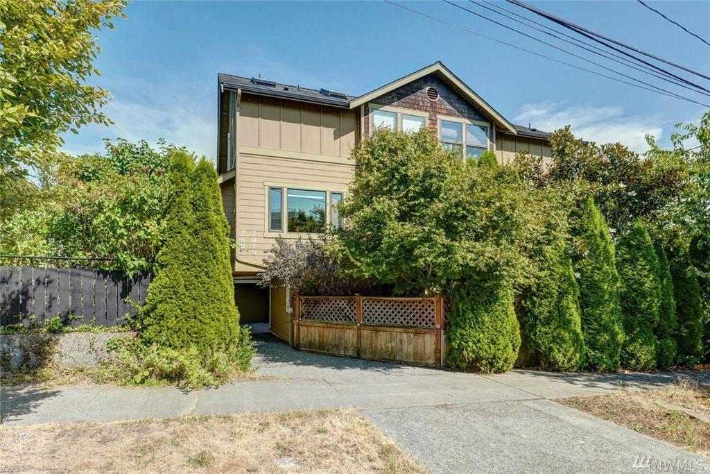 7010 Mary Ave NW #B, Seattle, WA 98117