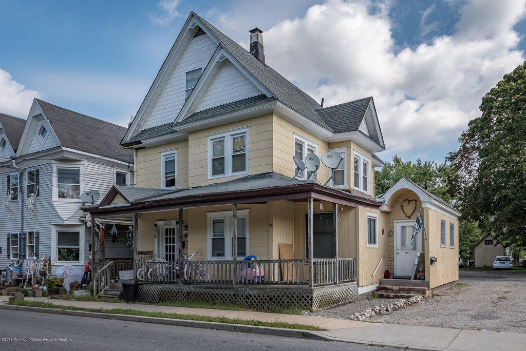 115 Wood St #1-2-3, Tuckerton, NJ 08087