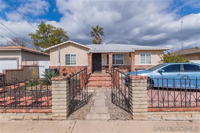 634 Erica St, Escondido, CA 92027