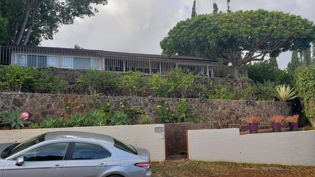 5112 Maunalani Cir, Honolulu, HI 96816