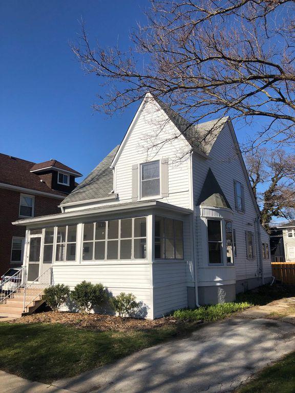 2631 Prairie Ave, Evanston, IL 60201