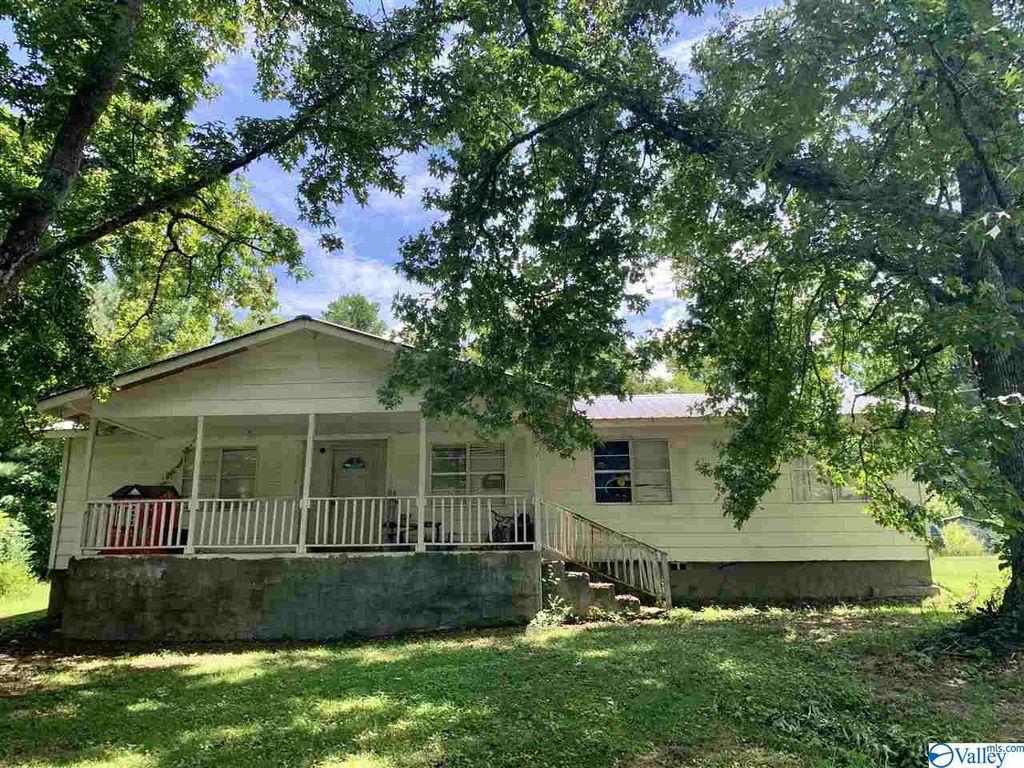 144 Thomas Rd, Altoona, AL 35952