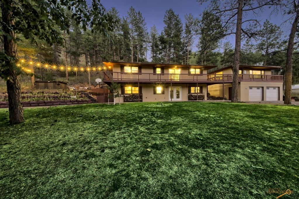 3940 Red Rock Canyon Rd, Rapid City, SD 57702