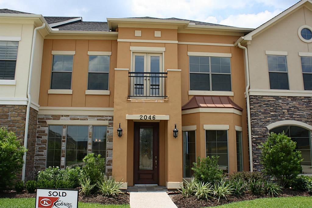 2046 Palm Forest Ln, Houston, TX 77077