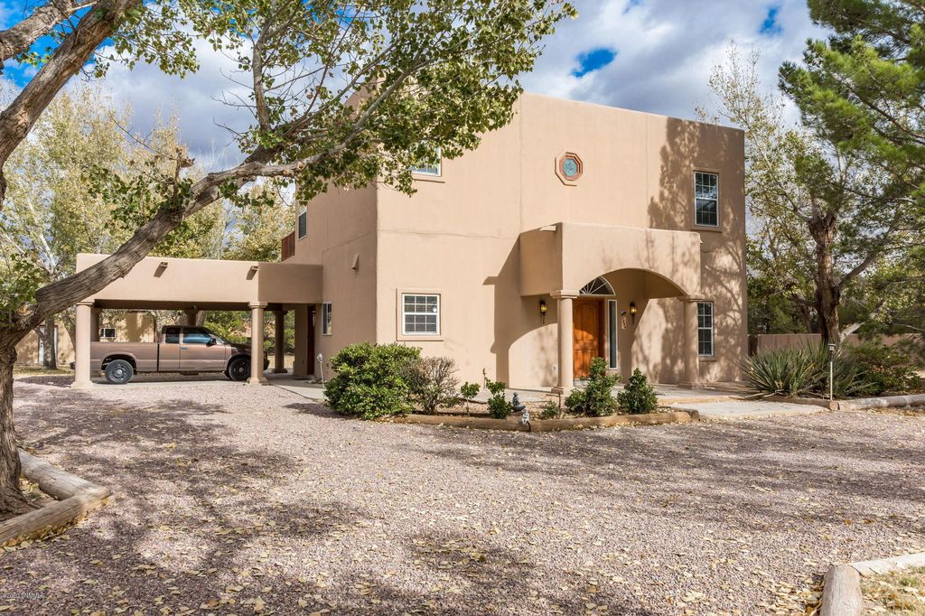 3999 Amistad Dr, Las Cruces, NM 88005