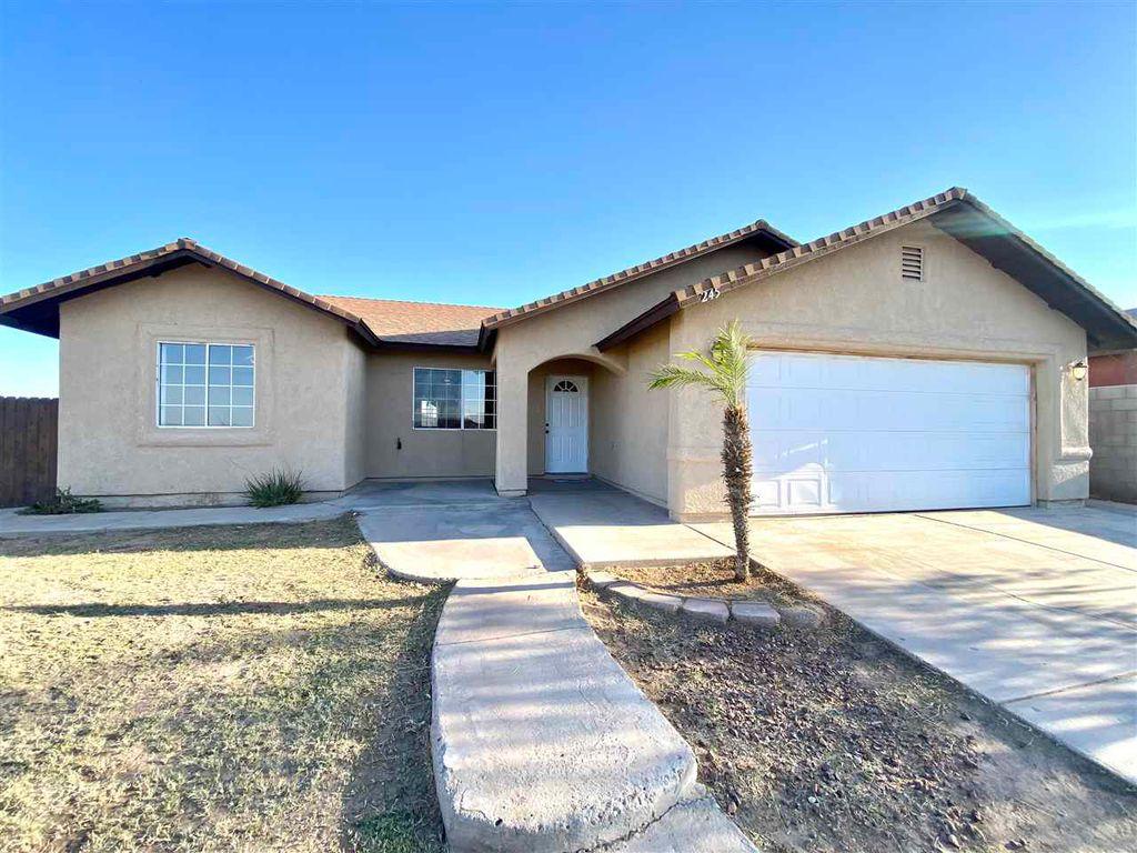 245 E Virginia St, San Luis, AZ 85336