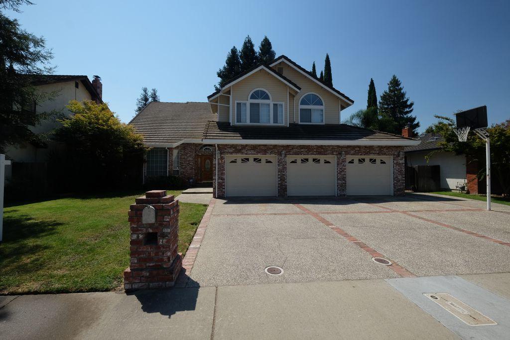 97 Southlite Cir, Sacramento, CA 95831