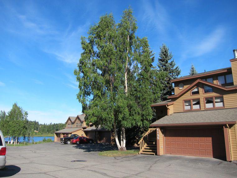 4143 Raspberry Rd, Anchorage, AK 99502