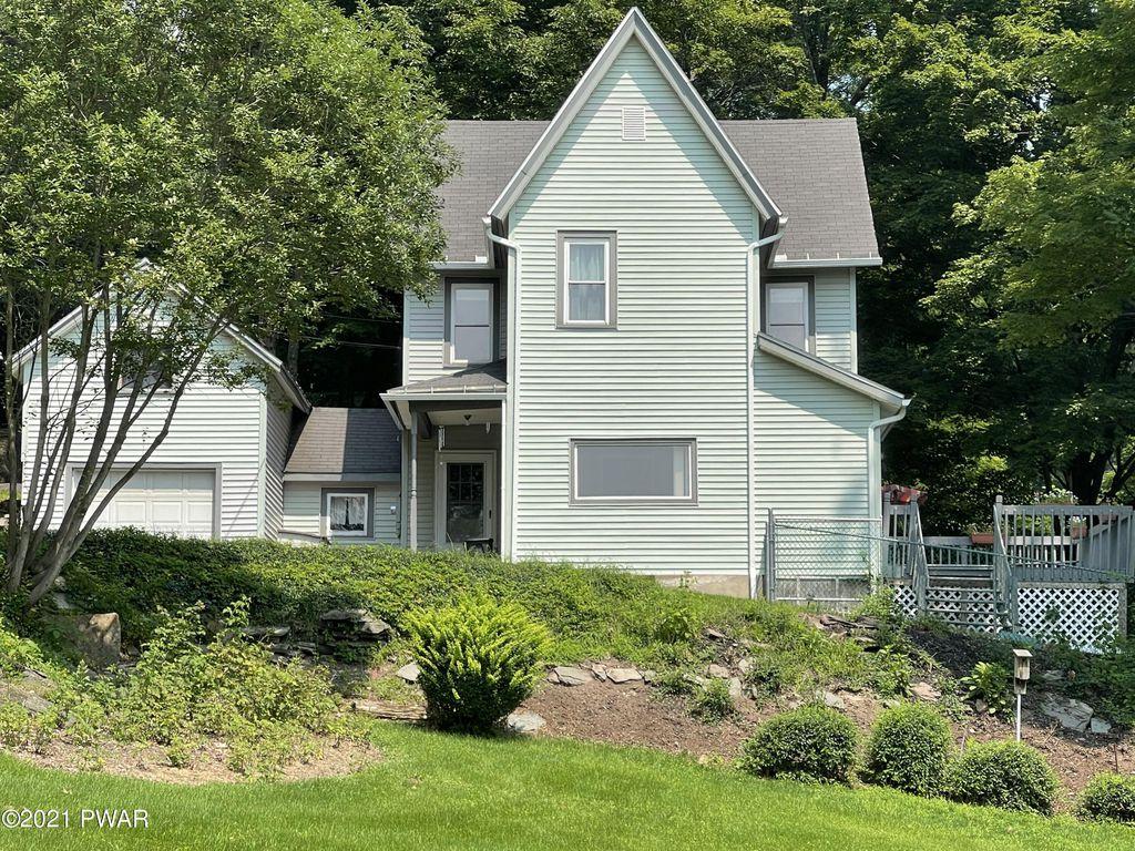 1409 Hillside Ave, Honesdale, PA 18431