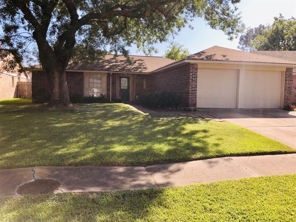 17119 Coopers Draw Ln, Friendswood, TX 77546