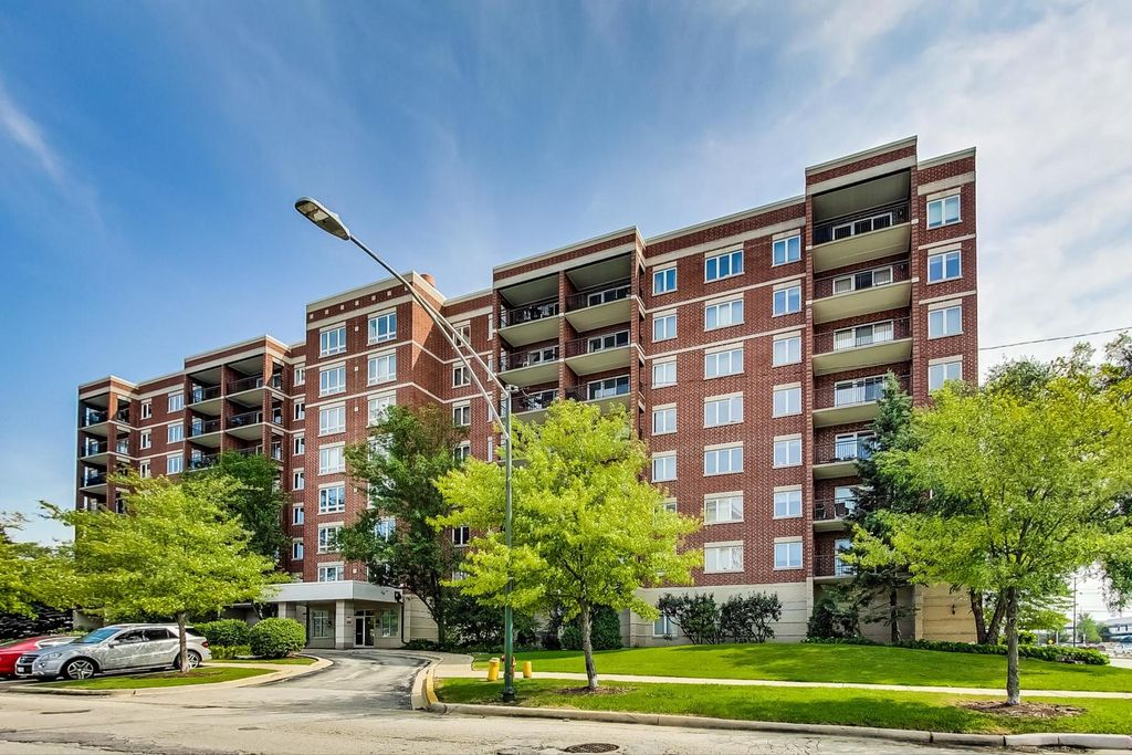 5555 N Cumberland Ave #809, Chicago, IL 60656