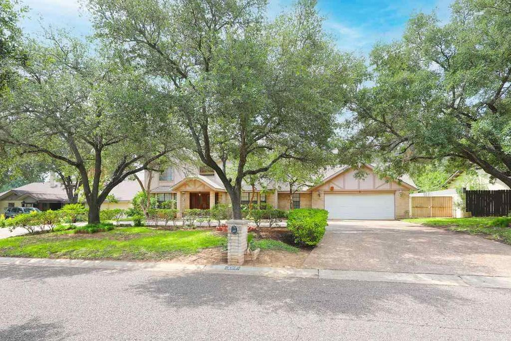 409 Westmont Dr, Laredo, TX 78041