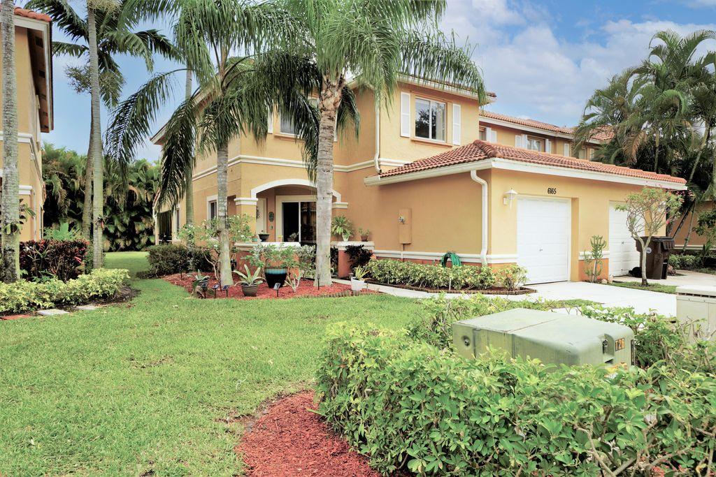 6165 Reynolds St, Royal Palm Beach, FL 33411