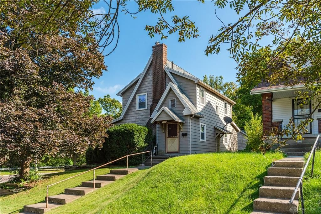 352 Pointview Ave, Dayton, OH 45405