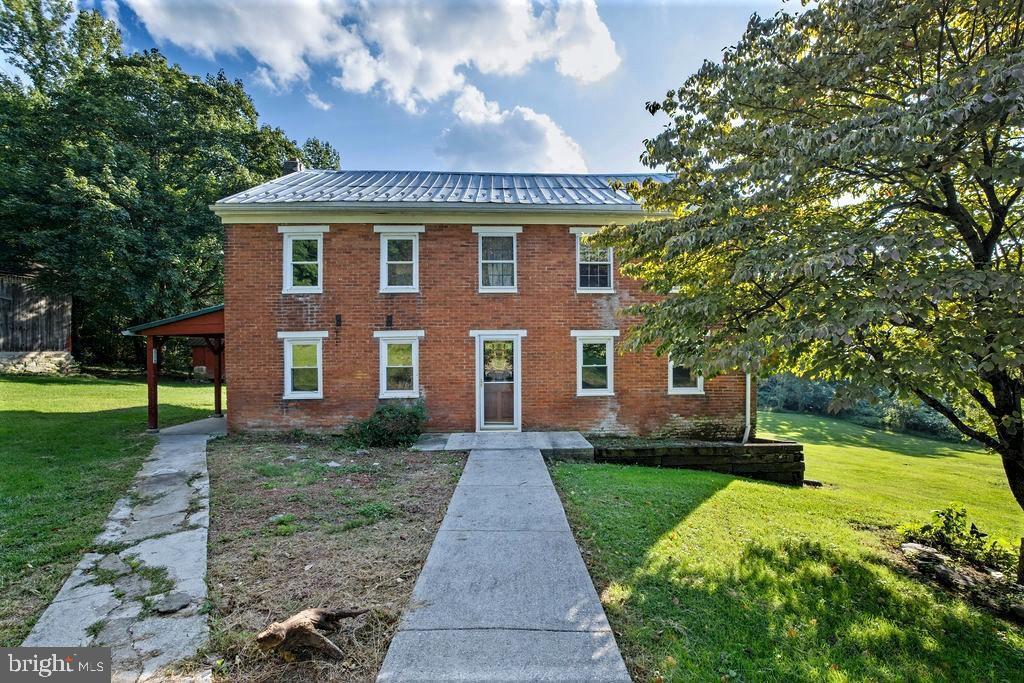 320 Rocky Ridge Rd, Spring Grove, PA 17362