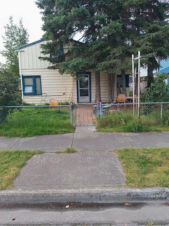 1308 F St, Anchorage, AK 99501
