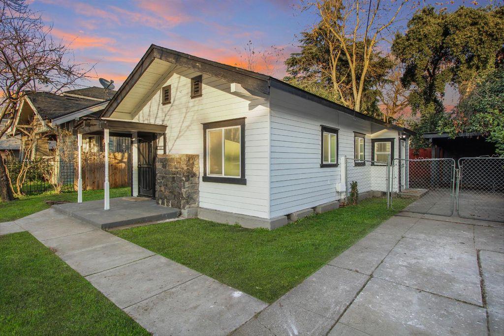 818 N Harrison St, Stockton, CA 95203