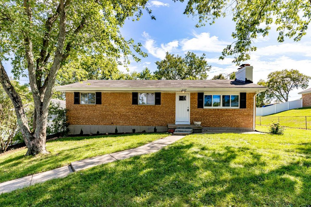 2179 Renee Dr, Middletown, OH 45042