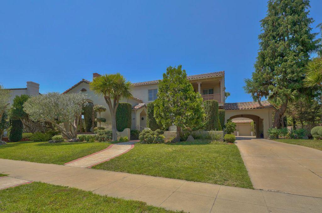 14 Los Laureles Ave, Salinas, CA 93901