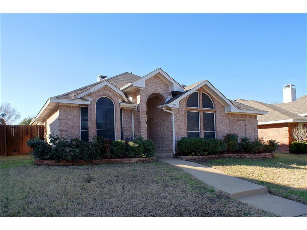 1710 Creekpoint Dr, Lewisville, TX 75067