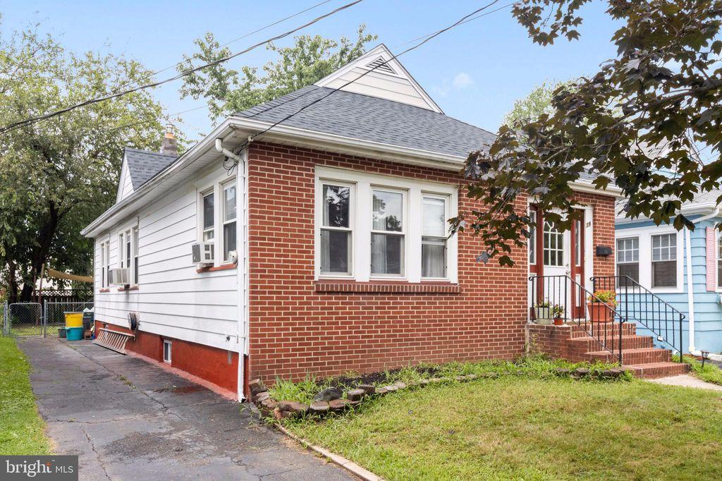 39 Fetter Ave, Trenton, NJ 08610