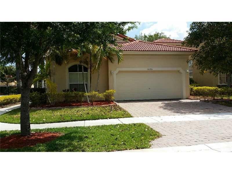 1695 NE 37th Pl, Homestead, FL 33033