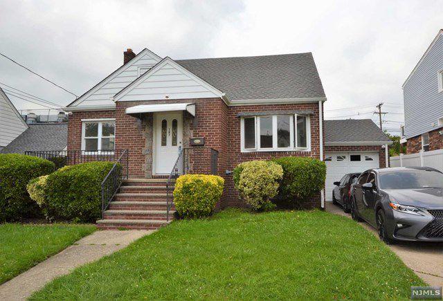 187 9th St #2, Fairview, NJ 07022