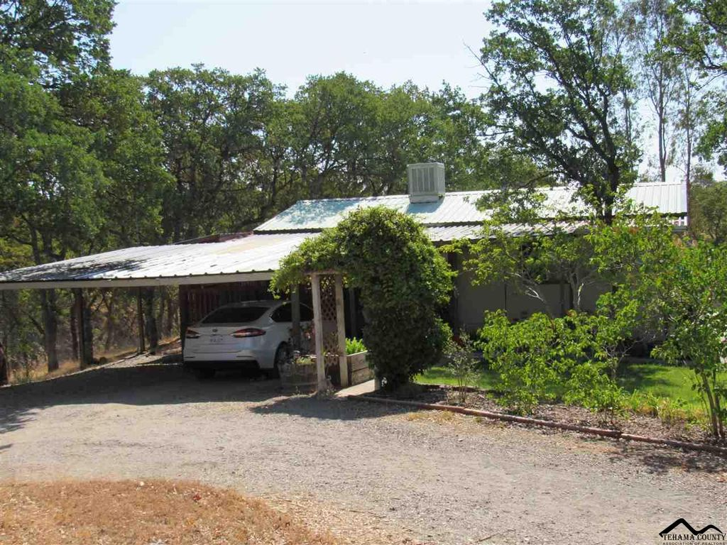 19605 Green Tree Dr, Red Bluff, CA 96080