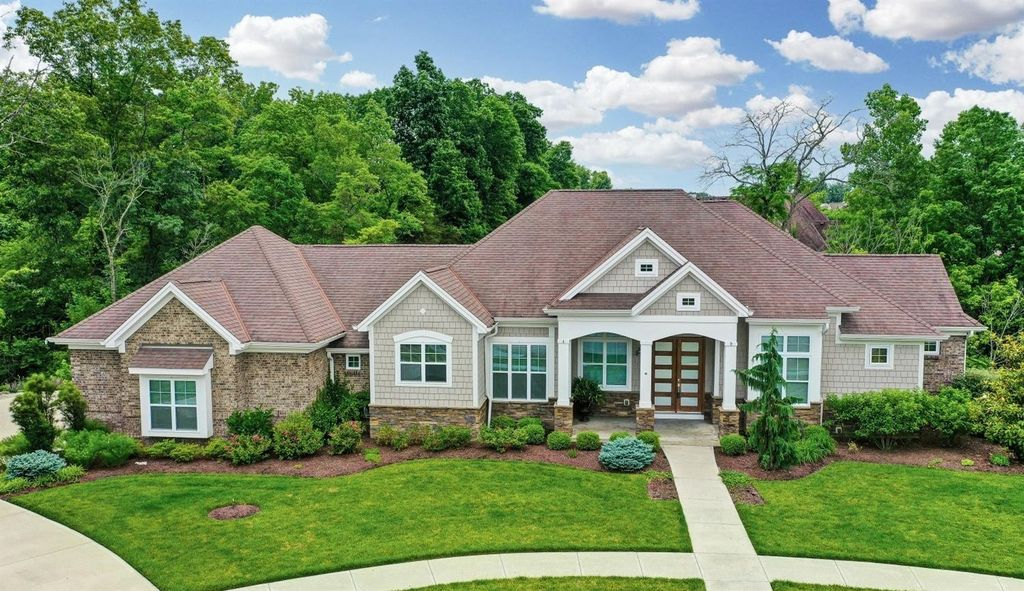 5256 Emerald View Dr, Hamilton Twp, OH 45039