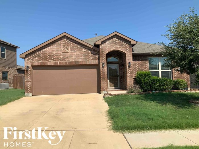 1744 Falling Star Dr, Haslet, TX 76052