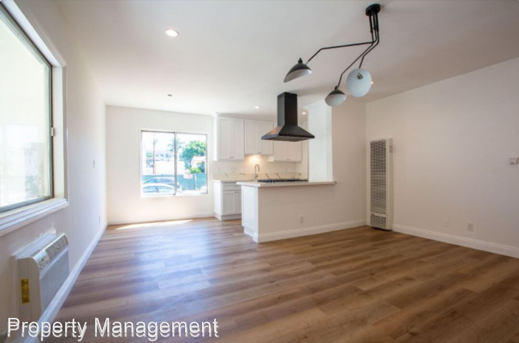 11807 Courtleigh Dr #5, Los Angeles, CA 90066