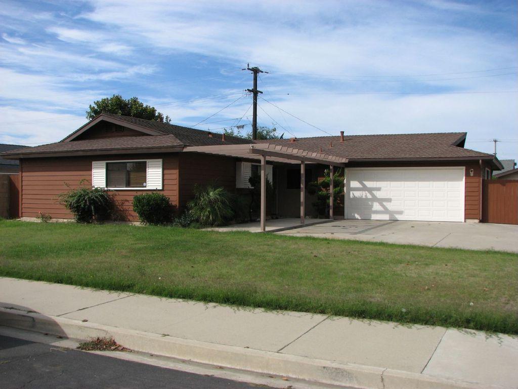 908 E Bush Ave, Lompoc, CA 93436