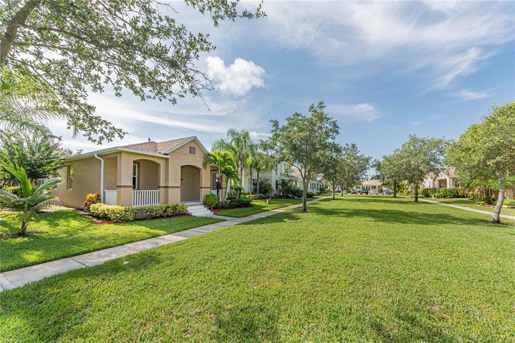 1295 Welcome Dr, Vero Beach, FL 32966